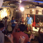 熱気に包まれ、北昴輝学舎ビールパーティーを開催